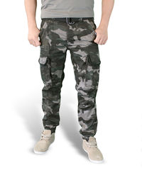 Surplus Premium Slimmy - Reisitaskuhousut, Black Camo